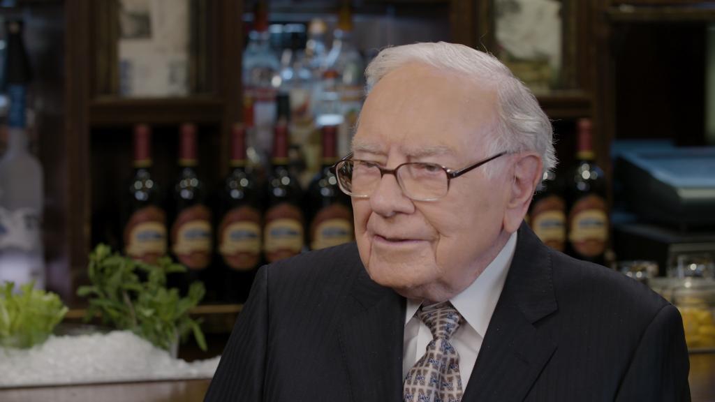 Here's why Warren Buffett trusts Tim Cook